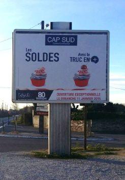 affichage urbain pour la promotion des soldes